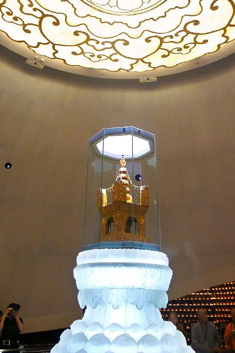 如證和尚2016年9月大陸參訪,朝拜大報恩寺感應舍利